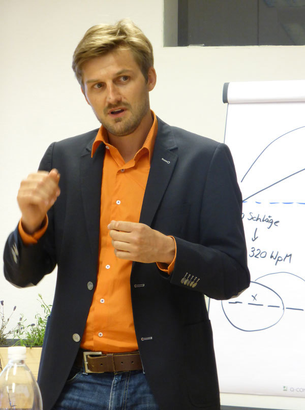 Speed-Reading Trainer Markus Rieder im bildungsraum-Training